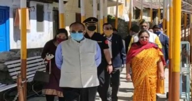 बदरीनाथ धाम पहुंची राज्यपाल बेबी रानी मौर्य, भगवान बदरी विशाल के किए दर्शन, माणा गांव का भी किया दौरा