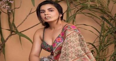 अभिनेत्री कीर्ति कुलहरि आजकल उत्तराखंड की वादियों में योग का आनंद ले रही हैं। उन्होंने इंस्टाग्राम पर एक फोटो साझा की।