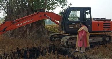 उधम सिंह नगर के खटीमा में प्रशासन ने अवैध मिट्टी खनन माफिया पर शिकंजा कसा है। एसडीएम ने कार्रवाई करते हुए पोकलैंड मशीन और एक ट्रैक्टर ट्रॉली को जब्त किया है।