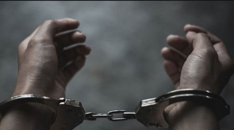 उत्तराखंड पुलिस ने एक पिकप वैन से 90 टिन अवैध लीसा बरामद किया है। पुलिस ने इसकी तस्करी के आरपो में दो लोगों गिरफ्तार भी किया है। बरामद लीसे की कीमत 90 हजार रुपये बताई जा रही है।