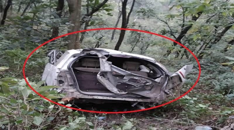 दिवाली पर कोटद्वार में भीषण सड़क हादसा हुआ है। राष्ट्रीय राजमार्ग-534 पर गुमखाल के पास बेकाबू होकर खाई में कार के गिरने से एक व्यक्ति की मौत हो गई है।