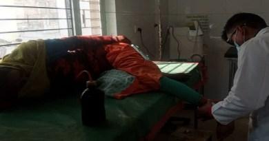 कोटद्वार के लैंसडाउन कोतवाली इलाके में नामकरण समारोह को दौरान की गई हर्ष फायरिंग में एक महिला गंभीर रूप से घायल गई।