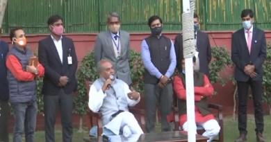तीन कृषि कानूनों के खिलाफ चल रहे आंदोलन के बीच उत्तराखंड के दर्जनों किसानों ने दिल्ली में कृषि मंत्री नरेंद्र सिंह तोमर से मुलाकात कर नए कानूनों का समर्थन किया है।
