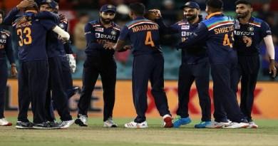 भारत ने मनुका ओवल मैदान पर खेले गए तीसरे और आखिरी वनडे मैच में ऑस्ट्रेलिया को 13 रनों से हरा दिया।