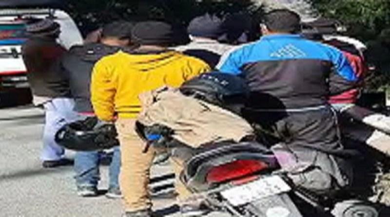 पौड़ी: सड़क हादसे में बुझ गए दो घरों के चिराग, परिवार में पसरा मातम