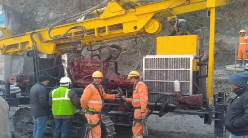 चमोली: नए तरीके से होगी तपोवन सुरंग के मलबे को हटाने की कोशिश, लाई गई नई मशीनें