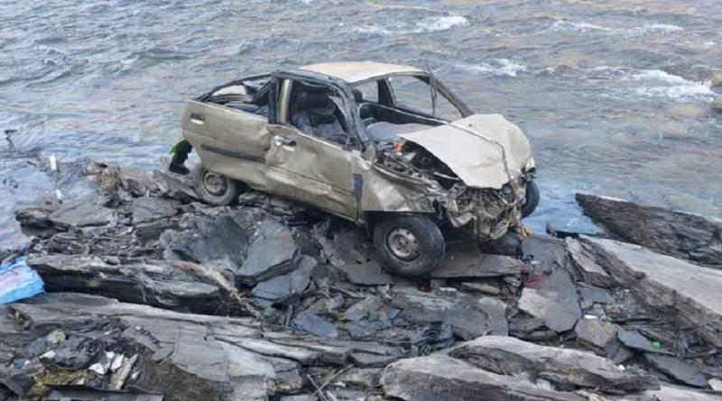 पिथौरागढ़: 100 मीटर गहरी नदी में गिरी तेज रफ्तार कार, हादसे में ड्राइवर की दर्दनाक मौत, एक गंभीर रूप से घायल