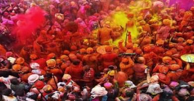रुद्रप्रयाग जिले का एक गांव ऐसा है, जहां रंगों के इस त्योहार की रौनक नहीं दिखाई देती है। अगस्त्यमुनि ब्लाक की तल्ला नागपुर पट्टी के क्वीली, कुरझण और जौंदला गांव में होली का उत्साह नहीं है। य
