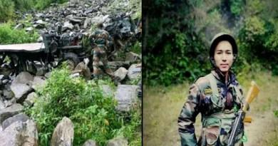 पूर्वी सिक्किम में सेना का जवानों का एक ट्रक गहरी खाई में गिर गया। जिसमें कमाऊं रेजिमेंट के तीन जवान शहीद हो गए। जबकि तीन जवान गंभीर रूप से घायल हो गए। जिन्हें इलाज के लिए अस्पताल में भर्ती कराया गया है।