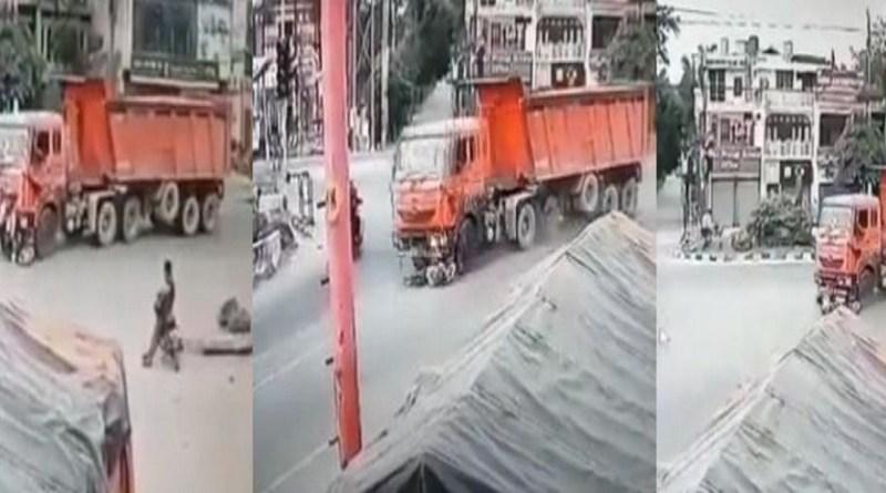 उधम सिंह नगर के रुद्रपुर में दर्दनाक सड़क हादसा हुआ है। यहां गाबा चौक पर एक बेकाबू ट्रक ने बाइक सवार दो लोगों को कुचल दिया। हादसे में दोनों की मौके पर ही मौत हो गई।