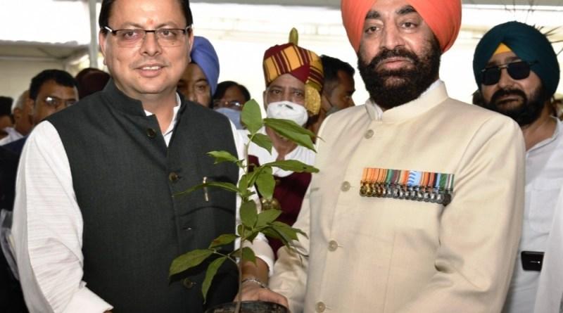 उत्तराखंड के 8 वें राज्यपाल के रूप में रिटायर्ड लेफ्टिनेंट जनरल गुरमीत सिंह ने ली शपथ