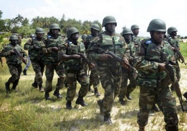Nigerian Soldiers Lay Siege On Nnamdi Kanu's Home [Video]