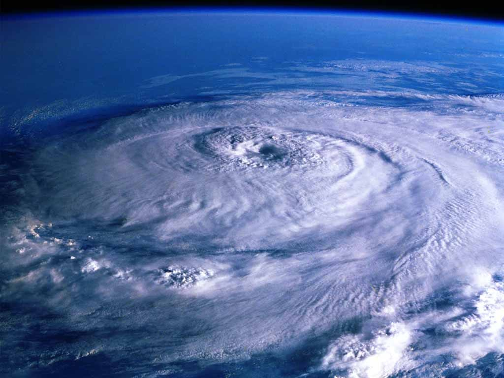 台風5号、謎の動きを見せるwwwwwwwwwwwwww