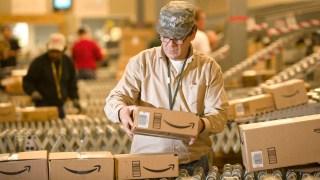 Amazonトラブルがヤバイ! 被害者「デリバリープロバイダに持ってくの忘れたって言われたwwww」