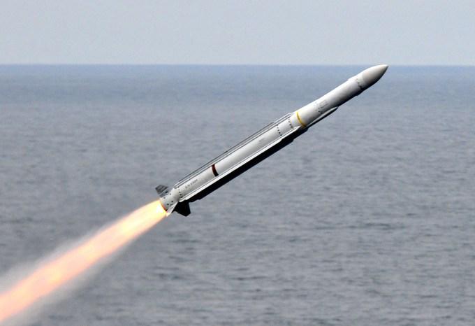 北朝鮮がミサイル発射するも空中で爆破し失敗wwwww