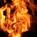 三ノ宮・センター街のロードバイク屋が炎上 高級車が灰に…