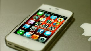 iPhone発売から10年… 薄れる革新、揺らぐ優位―日本で根強い人気か…