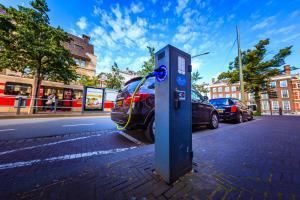 Living-Lab-Smart-Charging_EV-laadt-aan-Smart-Charging-laadpaa