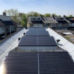 Platdak met zonnepanelen door NewSolar Woudenberg