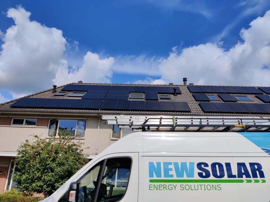 Foto van een zonne-energie installatie, geleverd en gemonteerd door NewSolar