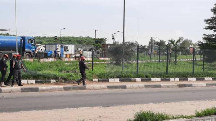 BREAKING: Heavy Gunshots Rock June 12 Protest In Lagos (Video/Photos) 2