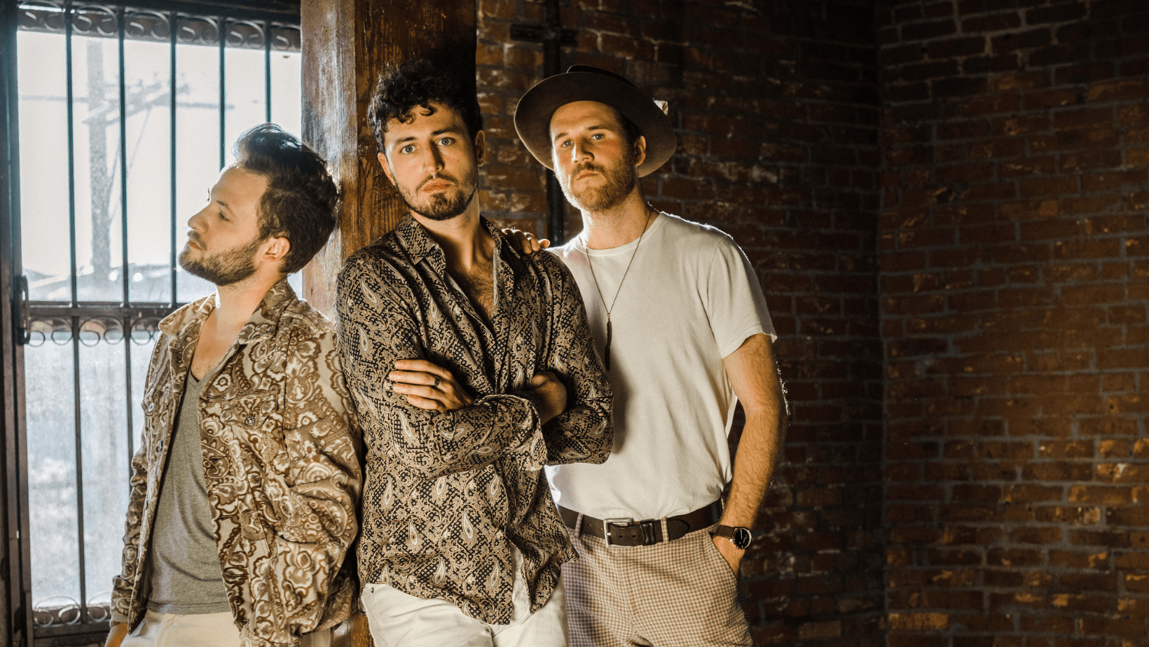 Raynes is an British-American trio and have released a new album 'Set Fire to the Foxes', a mini-album that balances themes of distance, confusion and despair