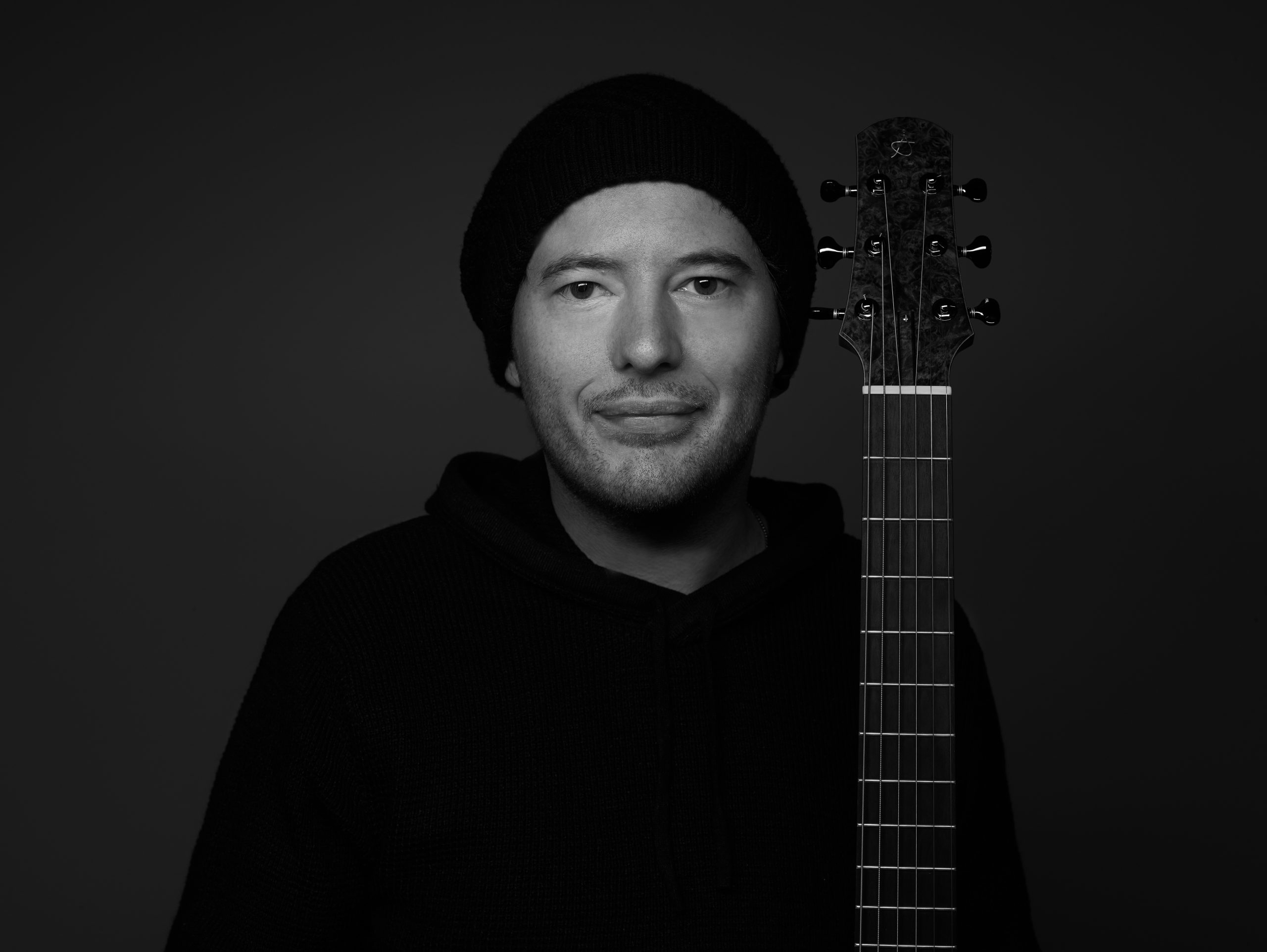 After years of touring and living overseas, Australian acoustic guitarist and composer 'Alan Gogoll' releases 'Sunset Heart' off his E.P 'Wombat's Lullaby'