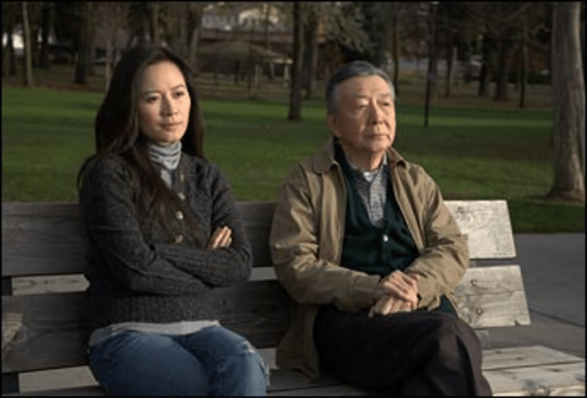 Long-Distant Caller: Prayers? Yilan can?t connect with her father.