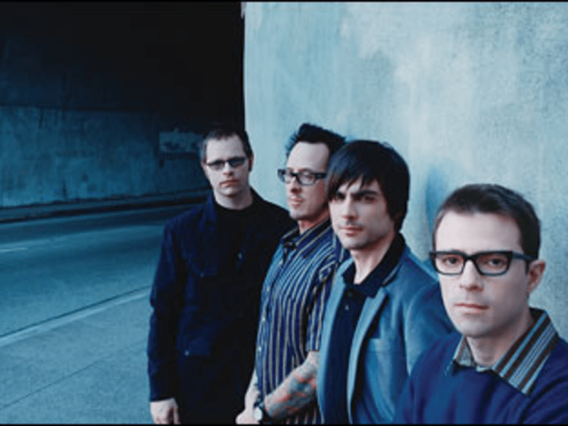 All Tomorrow?s Parties: Weezer courts a new generation of fans on Raditude.