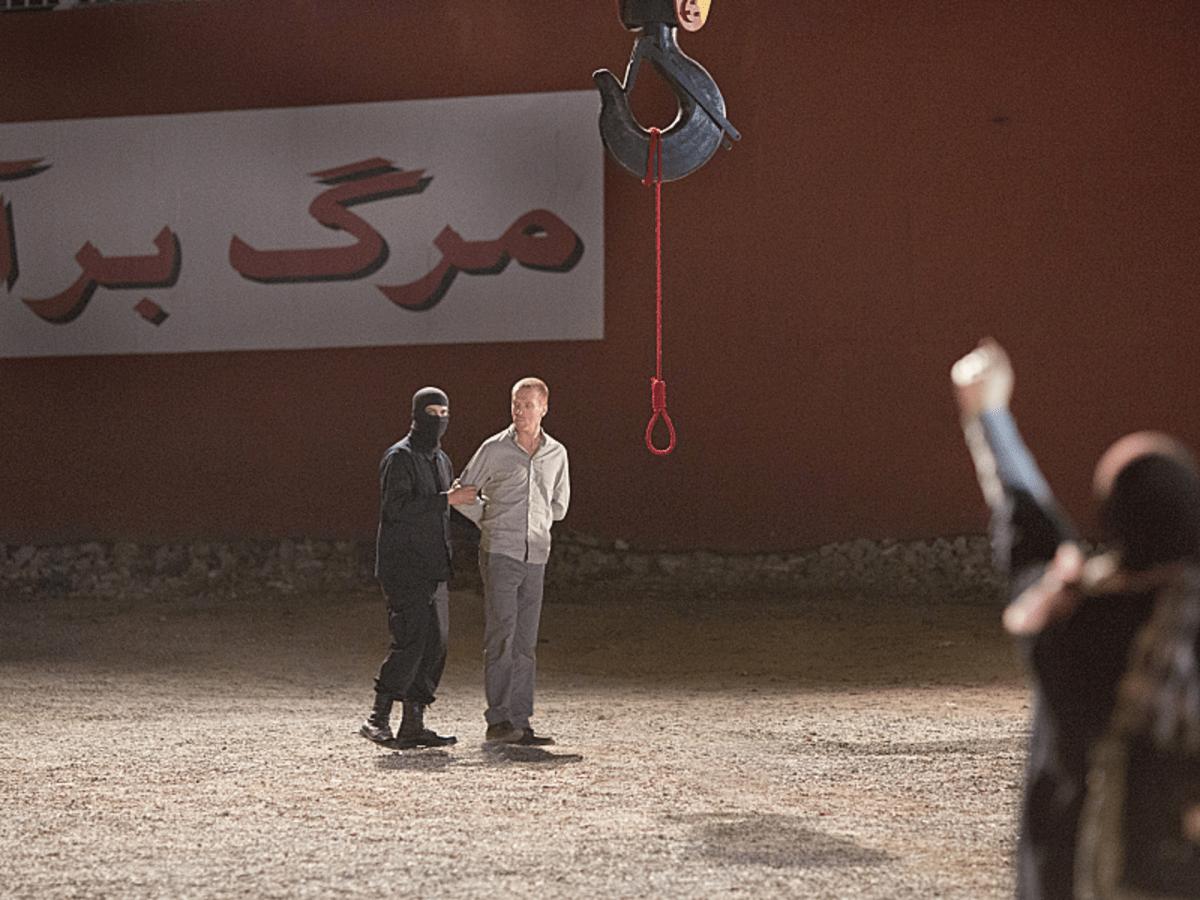 Damian Lewis as Nicholas Brody in Homeland (Season 3, Episode 12). - Photo:  Didier Baverel/SHOWTIME - Photo ID:  HOMELAND_312_20131106_7120.R