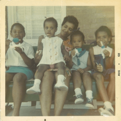 From left to right, Cynthia Davis (cousin); Tracye McQuirter (sister); Ann Barnett (aunt); Marya McQuirter; Veronica Hale (sister).