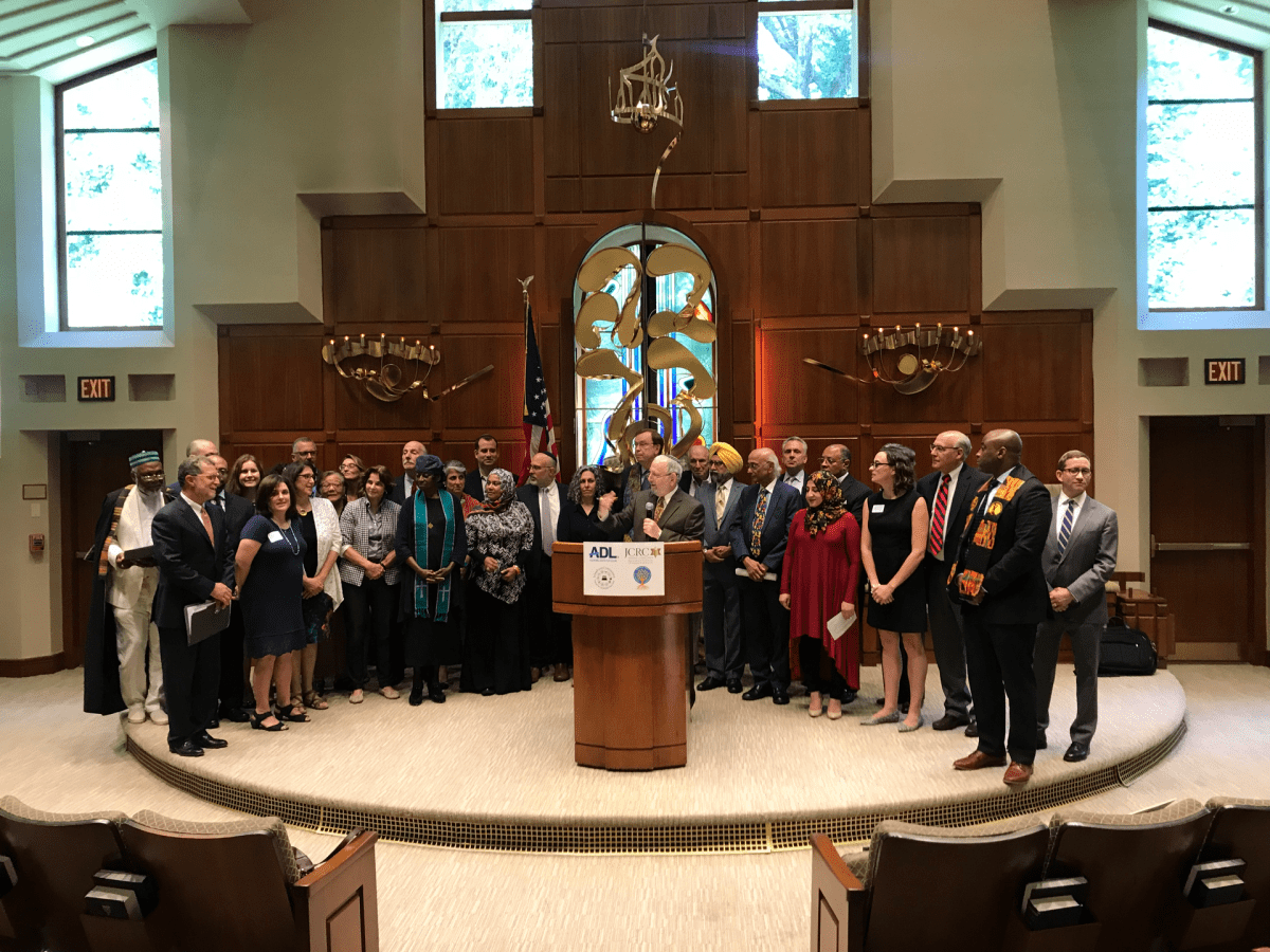 Local faith leaders and politicians at the Washington Hebrew Congregation