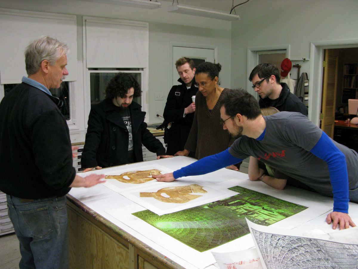 Dennis O'Neil discusses Hand Print Workshop International with students from George Mason University in 2008. Image courtesy Georgia Deal.