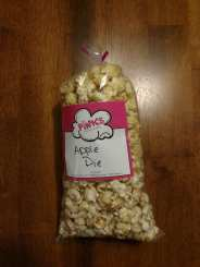 This is the appearance of the Apple Pie popcorn flavor.