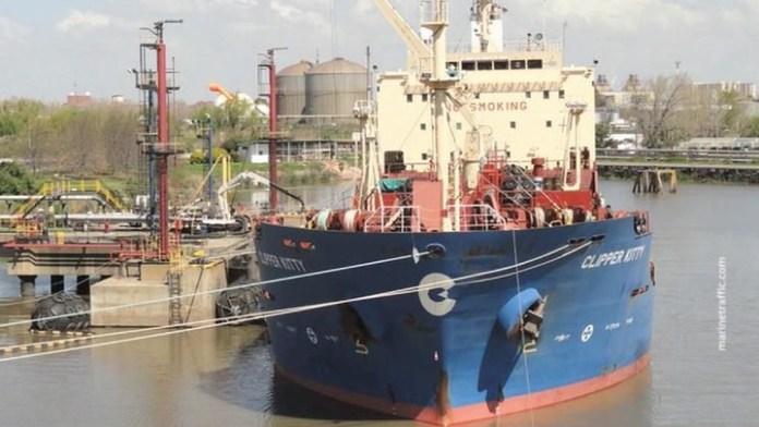 Пираты захватили 13 членов российско-украинского экипажа Curacao Trader
