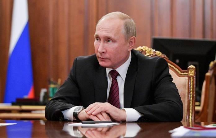 Путин заявил, что соцсети гонятся за прибылью и