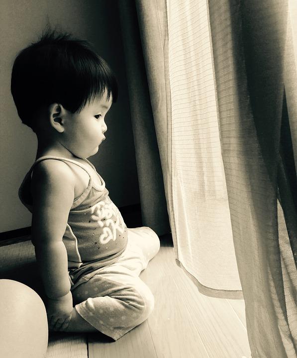 ЖительУфыпоймал младенца, выпавшего из окнажилого дома