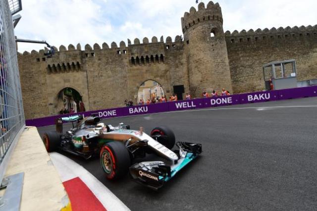 F1: Rosberg vence nas ruas de Baku