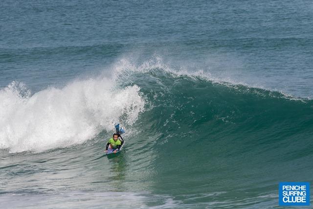 Muito sol, boas ondas e alto nível no Bodyboard Esperanças em Peniche