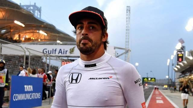 Fernando Alonso destroçado com a morte de um jovem menino no seu circuito