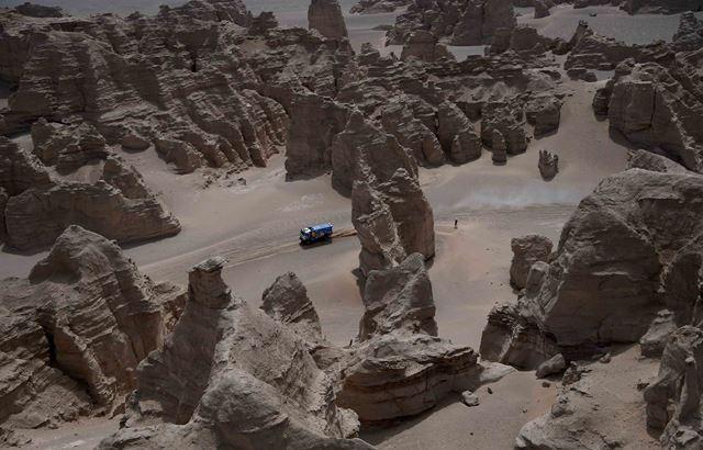 Loeb com dia aziago no Silk Way Rally