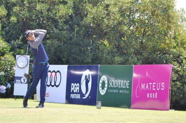 Tiago Rodrigues líder do nacional de golfe