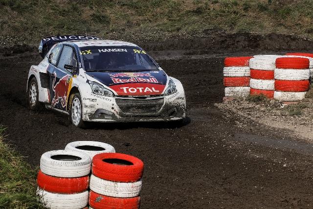 Team Peugeot Hansen brilha em Estering