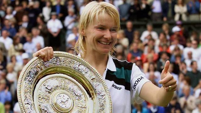 Morre aos 49 anos a campeã de Wimbledon Jana Novotna