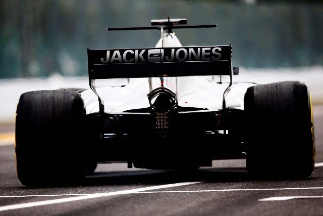 JACK & JONES Junta-se à Haas F1 Team