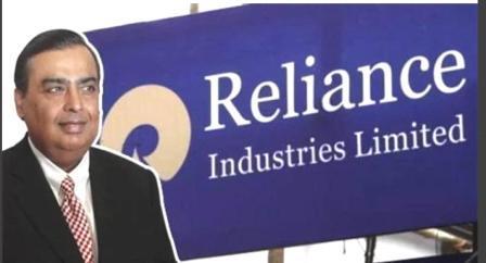 लसीकरण मोहिमेच्या तिसऱया टप्प्यात रिलायन्स उद्योग समूहाने आपल्या कंपनीत काम करणारे कर्मचारी आणि त्यांच्या कुटुंबीयांचे मोफत लसीकरण करण्याचा निर्णय घेतला आहे.