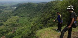 bukit-rawan-longsor-klaten-yogyakarta