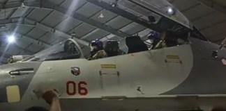pengisian-bakar-bakar-sukhoi-tni-au-1