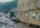 POTOP la Reșița: Ploaia torențială a inundat mai multe cartiere din oraș