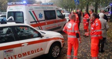 O româncă a fost stropită cu acid și înjunghiată de iubitul macedonean. Femeia e în stare gravă